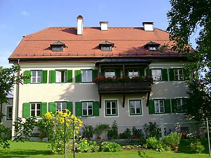 Pfarrhof_Obertrum_2007_II